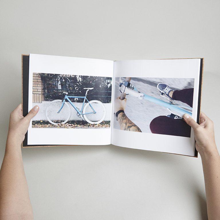 Photobook 30×30 Corcho Con Ventana Mín. 60 Páginas